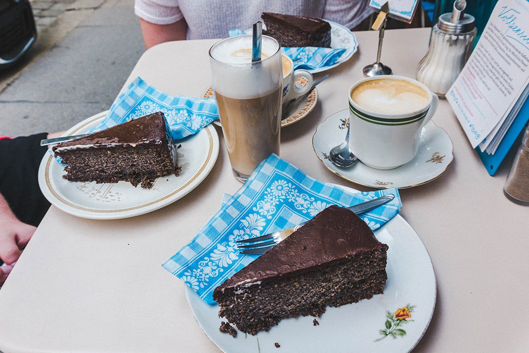 Cake, Coffee, and Schnitzel // What To Eat in Vienna (+ Where to Eat it)